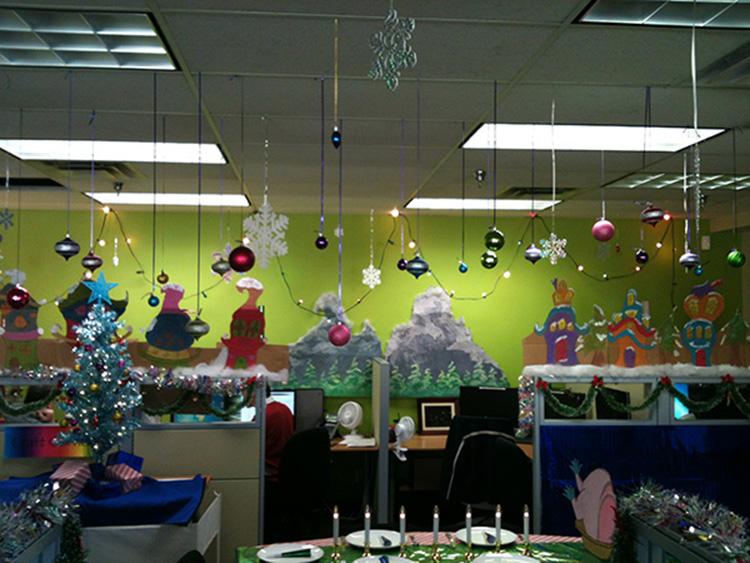 ý tưởng thiết kế văn phòng đón giáng sinh`