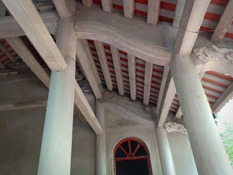 ưu nhược điểm của nhà thờ giả gỗ