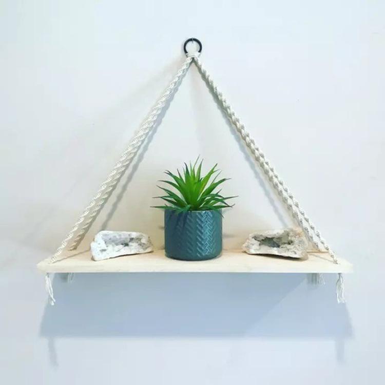 Kệ gỗ decor tam giác đơn thuần